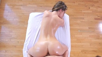 Beauty Girl Gets Be wild about  - Girlssexycam.com