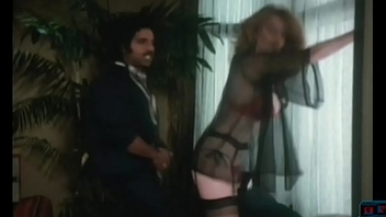 Young Ron Jeremy fucking a big tits mummy between her tits