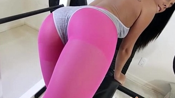 The Pussy Stretch - Gianna Nicole - TheRealWorkout