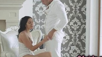 Kira Queen romantic sex