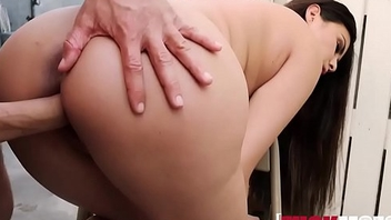Gabriella Elaborate figure of speech In Armenian Babe Gets Cum in Her Eye